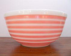 pyrex pink bowl