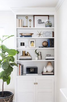 Shelfie, Shelf Styling, White, Built ins, Book Cases, Ideas, Decor | via coco+kelley