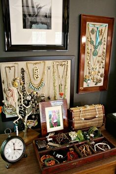 house tours, jewelry storage, apart therapi, cottage houses, jewelry displays, cottages, creativ cottag, cottag hous, jewelri organ