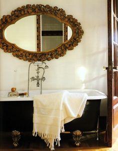 Veja mais em Casa de Valentina www.casadevalenti... #details #interior #design #decoracao #detalhes #home #bathroom #banheiro #idea #creative #criativo #casadevalentina