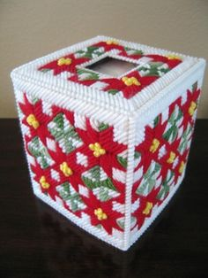 Christmas colors tissue box cover - plastic canvas