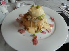 Food in New Orleans is fantastic, including this eggs benedict..mmmmmm