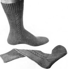 Men's Cable Clock Socks | Free Knitting Patterns