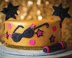 Glam gold & pink Pop Star cake