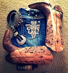 cowboy boots, outfit