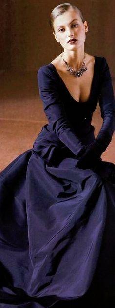 Evening gown in navy silk. navi blue, evening dresses, elegant dresses, evening gowns