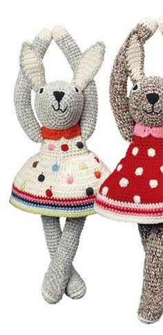 Handmade crochet rabbits by www.anneclairepet... // claradeparis.com ♥