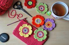 crochet flowers from ZoomYummy.com