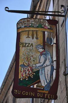 ~Au Coin du Feu~ Pizza Fireside --- Moncontour, Brittany, FR