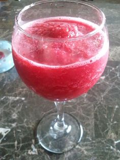 low calorie summer drink!  Lemonade Crystal Light + frozen raspberries + ice. Put in blender and enjoy! Alcohol can easily be added! let-s-get-healthy