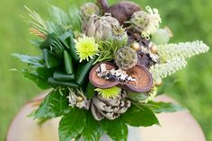 Unique Fall Wedding Bouquets For Woodland Weddings | Green Bride Guide