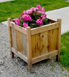 I want to make this!  DIY Furniture Plan from Ana-White.com  Build cedar planters for less than $20! Free easy step by step plans from Ana-White.com