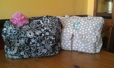 Loving the new Casual Cargo Purses from Thirty-One. There are two exterior flat pockets with magnetic snap closures, interior zipper pocket, one flat pocket, and two elastic side pockets.  Great for a diaper bag!