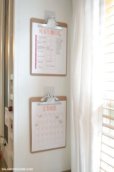 This pin takes you to free Meal Planning & Calendar Printables. I'm pinning this to remind myself to try putting a clipboard of menu ideas on the side of the kitchen cabinet by the sink.