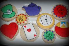 Cute cookies! Google Image Result for http://3.bp.blogspot.com/-FL--Eq3K99g/Tdm_kVzzCfI/AAAAAAAAD08/PnkW7oArWng/s1600/madhatter.jpg