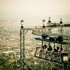 life is a roller coaster    [by [ZicoCarioca], via Flickr]