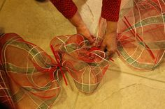 How To Make a Deco Mesh Garland....Hopefully I won't harm myself too much this time!