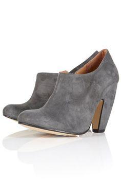 guava banana heel shoe boots