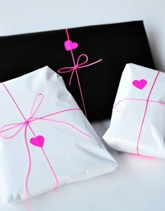 #DIY #crafts #Valentine's Day #giftwrapping ideas ToniK ⓦⓡⓐⓟ ⓘⓣ ⓤⓟ