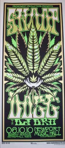 Original silkscreen concert poster for Snoop Dogg and DJ Dru at the Newport Music Hall in Columbus, Ohio in 2010. 12 x 25 inches. Signed and numbered out of 200 by the artist Mike Martin