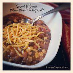 Healthy Low Calorie Sweet & Spicy Black Bean Turkey Chili - healthy comfort food!