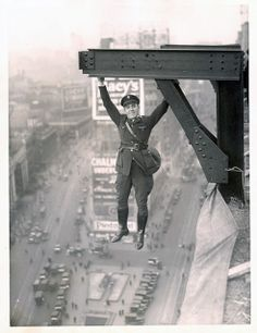 vintage everyday: Very Odd and Funny B Photos That Cannot Be Explained