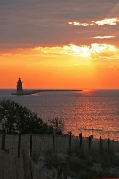 With more than 5,000 seaside acres, Cape Henlopen State Park is a paradise for nature enthusiasts, from its beautiful beaches to its bike trails. Is this @Patricia Smith Smith Smith Nickens Derryberry Delaware stunner the #8thWonderoftheWorld? Vote: www.virtualtourist.com/8thwonder