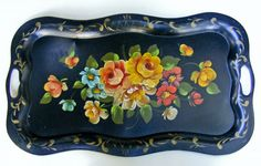VINTAGE LARGE SCALLOPED EDGE HAND PAINTED BLACK METAL TOLEWARE TOLE TRAY
