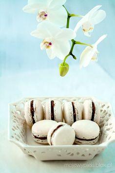 Vanille-Creme mit mit Nutella Makronen