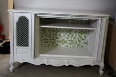 Old Vintage TV Console