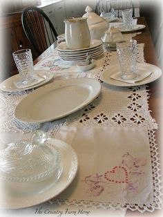 The Country Farm Home: DIY:: Scrap Linens Table Runner Tutorial
