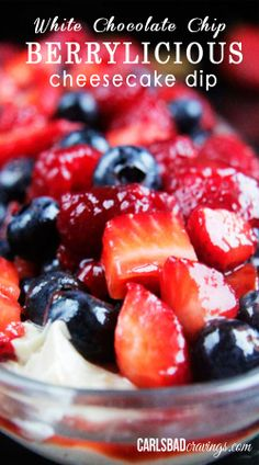 EASY, NO BAKE! DELISH! Sweet, creamy, cheesecake dip swirled with mini white chocolate chips and topped with refreshing berries. | Carlsbad Cravings
