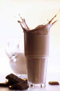 150 calorie snack - Low fat/sugar chocolate milk, 1 cup of nonfat (skim) milk and 1 tablespoon of chocolate syrup.  Calories: 140  Why chocolate milk might be the ideal post-workout food