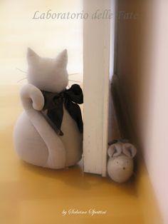 Laboratorio delle Fate cat, door stopper, door stops