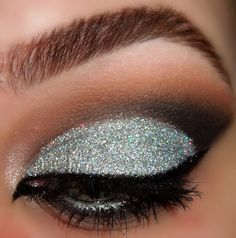 Smokey Glitter Cut Crease