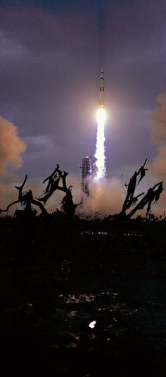 """Apollo 14 / Saturn 5 rocket launch, """" Houston has controlling! """" (T+14 sec.), January 31, 1971 