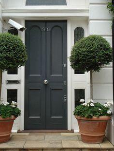 black doors, exterior color, door furniture, front doors, hous, topiari, front door colors, shutter color, london door