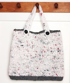 Plarn Tote Bag. Crocheted from Safeway and Dollar Tree grocery bags! Free Pattern!