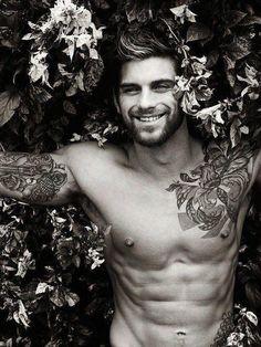 Tattooed guys..yes please.