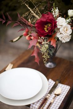 perfect for a fall harvest or thanksgiving table // florals by Sarah Winward