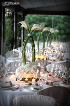 Centrotavola con calle per il matrimonio centrotavola matrimonio, floral arrang, con call, il matrimonio, wedding planners, centrotavola con