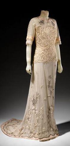Tea Dress - c. 1912 - by Bechoff-David, Paris - Silk tulle, linen tape lace, cotton thread - @~ Watsonette