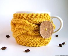 Yellow Cup Cozy Coffee Cozy cup cozi, knitting patterns, sleev, morning coffee, fall autumn, coffee cups, diy gifts, tea, coffee cozy