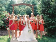 Bridesmaids in Pink and Red | photography by http://www.claryphoto.com/