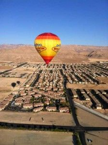 Go up, up and away in Vegas Balloon Rides!