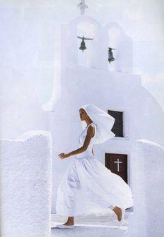 Clean Cut  Harper's Bazaar, December 1992   Photographer: Patrick Demarchelier  Model: Claudia Maso