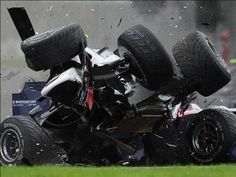 2009 - Coulthard and Wurz crash