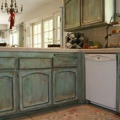 Painted Furniture Finishes & Faux Wood