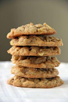 Apple Cinnamon Walnut Oatmeal Cookies