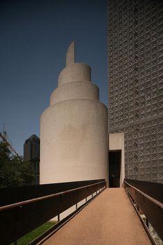 Philip Johnson, Thanks-Giving Square, Dallas, 1976